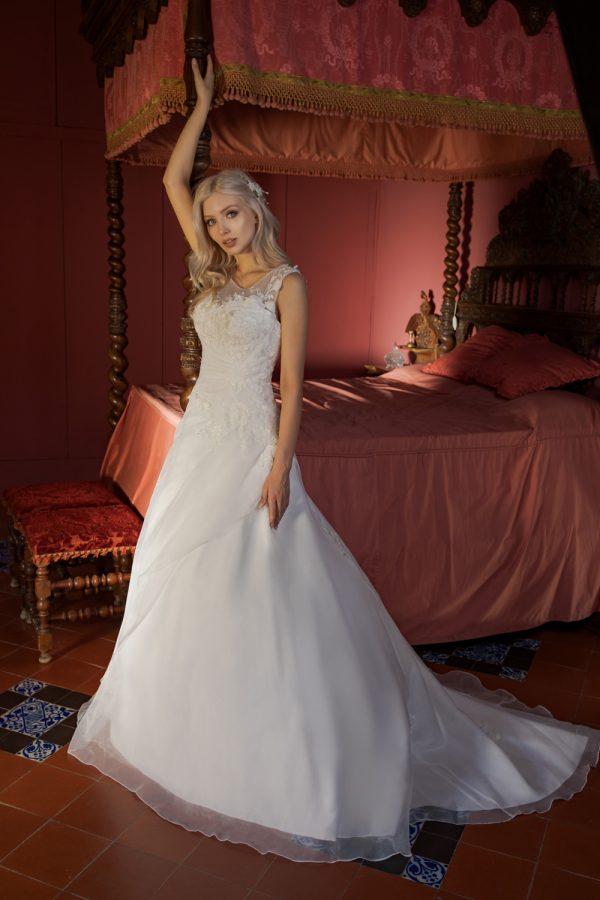 Brautkleid Ivory Delia B1958 1 Guenstiges Hochzeitskleid 2019 Bei Avorio Vestito Eiche Berlin