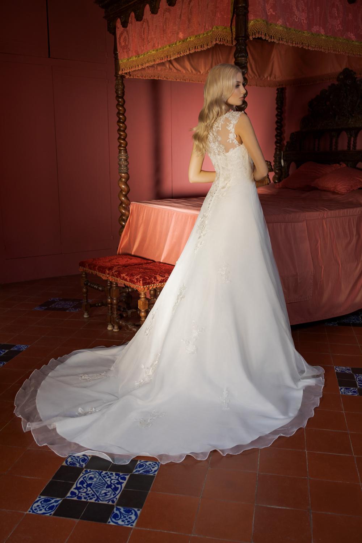 Brautkleid Ivory Delia B1958 2 Guenstiges Hochzeitskleid 2019 Bei Avorio Vestito Eiche Berlin