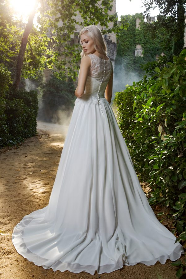 Brautkleid Ivory Ella B1979 3 Guenstiges Hochzeitskleid 2019 Bei Avorio Vestito Eiche Berlin