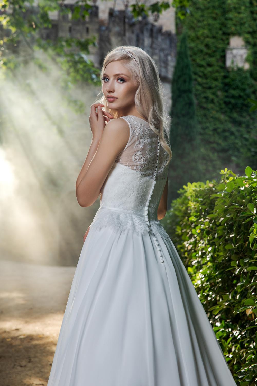 Brautkleid Ivory Ella B1979 4 Guenstiges Hochzeitskleid 2019 Bei Avorio Vestito Eiche Berlin