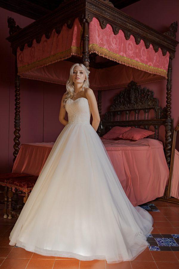 Brautkleid Ivory Holly B1956 1 Guenstiges Hochzeitskleid 2019 Bei Avorio Vestito Eiche Berlin