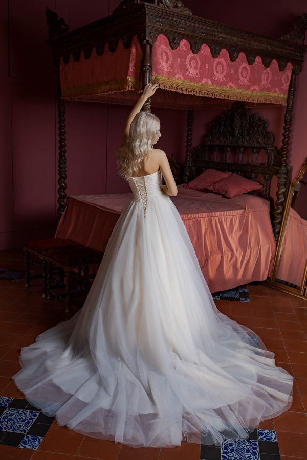 Brautkleid Ivory Holly B1956 3 Guenstiges Hochzeitskleid 2019 Bei Avorio Vestito Eiche Berlin