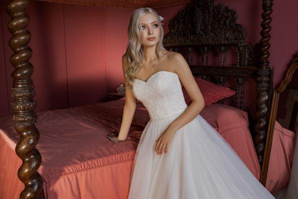 Brautkleid Ivory Holly B1956 5 Guenstiges Hochzeitskleid 2019 Bei Avorio Vestito Eiche Berlin