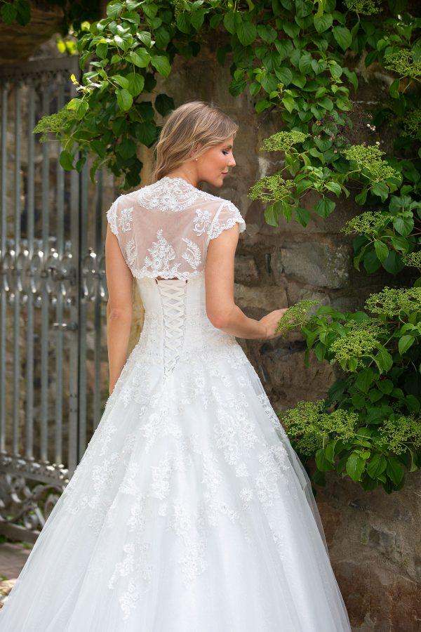Amera Vera Kollektion 2020 Ivory Brautkleid Adaline B2027 1 Bei Avorio Vestito BrideStore And More Brautmode In Berlin Eiche