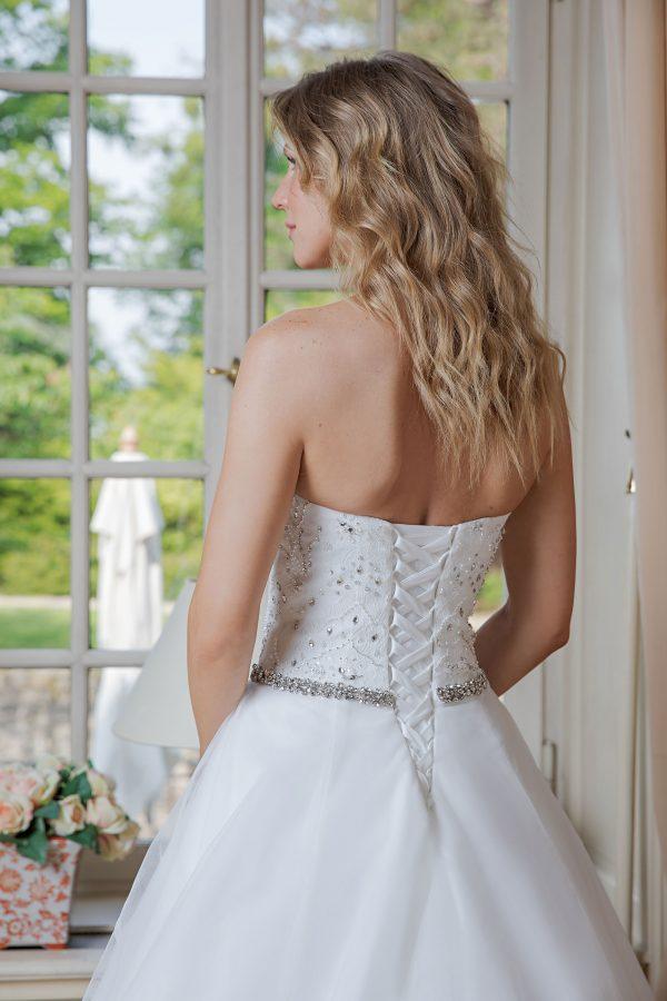 Amera Vera Kollektion 2020 Ivory Brautkleid Adelisa B2024 1 Bei Avorio Vestito BrideStore And More Brautmode In Berlin Eiche