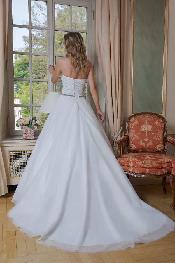 Amera Vera Kollektion 2020 Ivory Brautkleid Adelisa B2024 2 Bei Avorio Vestito BrideStore And More Brautmode In Berlin Eiche