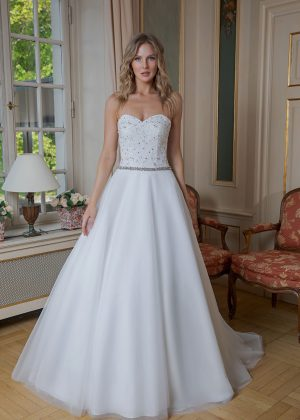 Amera Vera Kollektion 2020 Ivory Brautkleid Adelisa B2024 3 Bei Avorio Vestito BrideStore And More Brautmode In Berlin Eiche