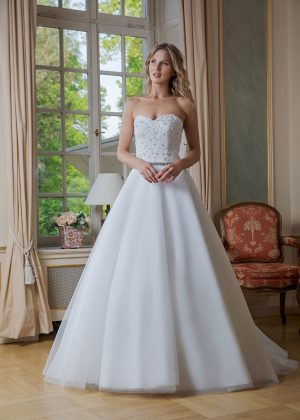 Amera Vera Kollektion 2020 Ivory Brautkleid Adelisa B2024 4 Bei Avorio Vestito BrideStore And More Brautmode In Berlin Eiche
