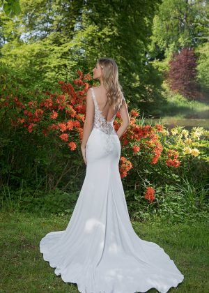 Amera Vera Kollektion 2020 Ivory Brautkleid Adina B2041 2 Bei Avorio Vestito BrideStore And More Brautmode In Berlin Eiche