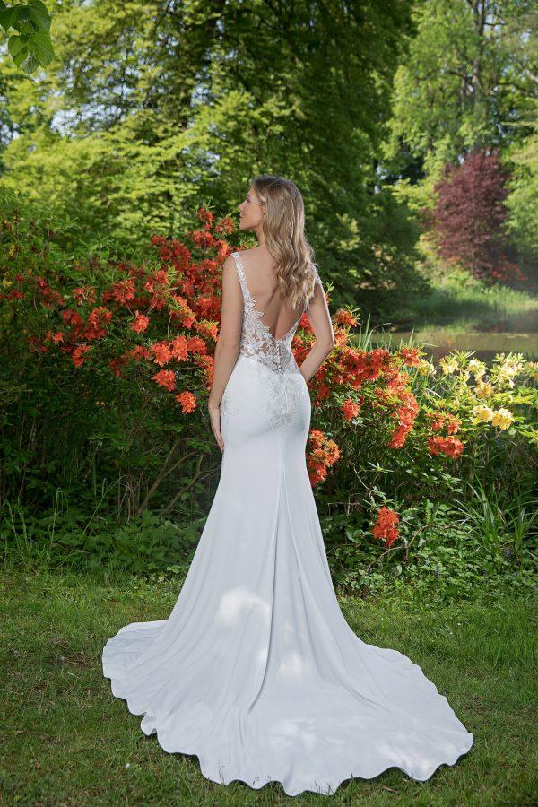 Amera Vera Kollektion 2020 Ivory Brautkleid Adina B2041 2 Bei Avorio Vestito BrideStore And More Brautmode In Berlin Eiche