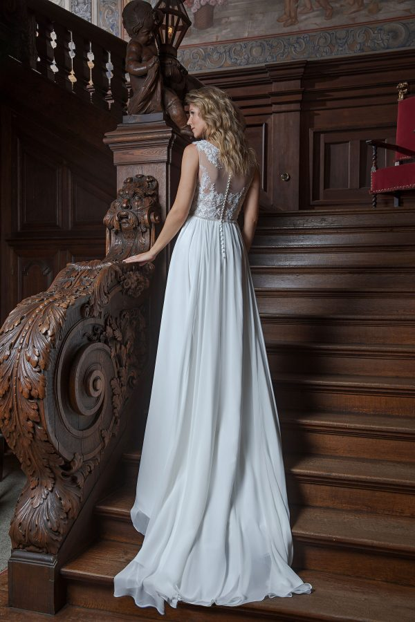 Amera Vera Kollektion 2020 Ivory Brautkleid Adrijana B2025 2 Bei Avorio Vestito BrideStore And More Brautmode In Berlin Eiche
