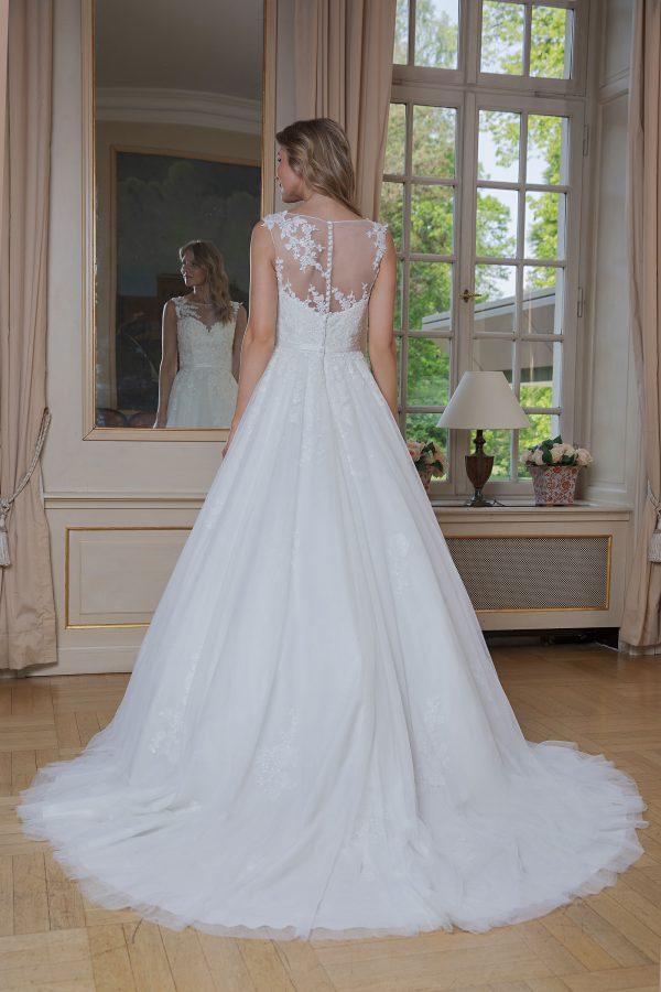 Amera Vera Kollektion 2020 Ivory Brautkleid Aidana B2009 1 Bei Avorio Vestito BrideStore And More Brautmode In Berlin Eiche