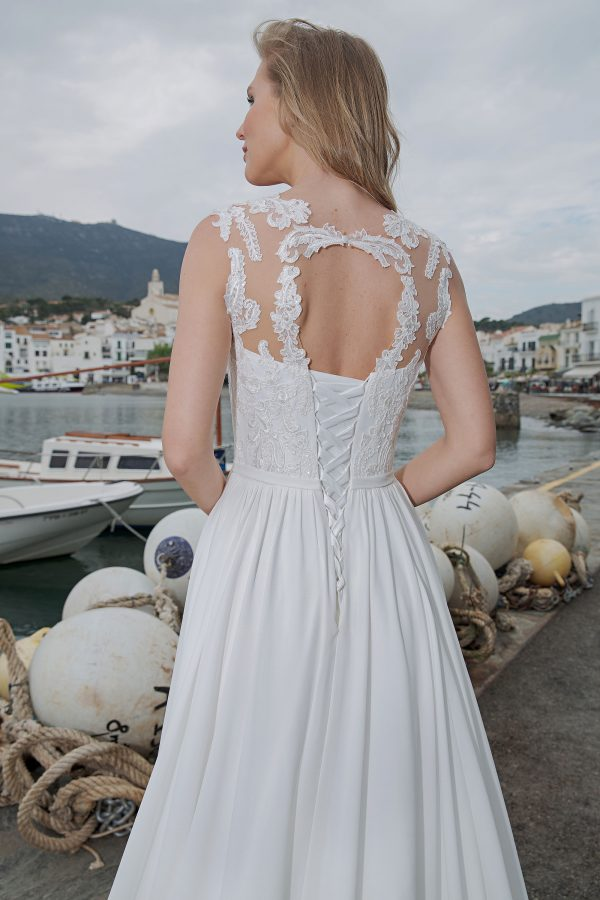 Amera Vera Kollektion 2020 Ivory Brautkleid Aleha B2017 1 Bei Avorio Vestito BrideStore And More Brautmode In Berlin Eiche