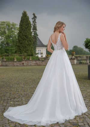 Amera Vera Kollektion 2020 Ivory Brautkleid Alexia B2002 4 Bei Avorio Vestito BrideStore And More Brautmode In Berlin Eiche