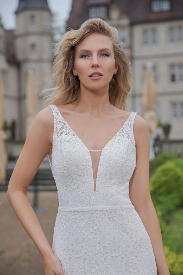 Amera Vera Kollektion 2020 Ivory Brautkleid Almedina B2045 3 Bei Avorio Vestito BrideStore And More Brautmode In Berlin Eiche