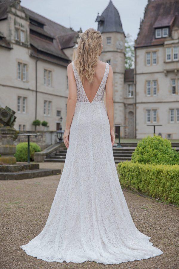 Amera Vera Kollektion 2020 Ivory Brautkleid Almedina B2045 4 Bei Avorio Vestito BrideStore And More Brautmode In Berlin Eiche