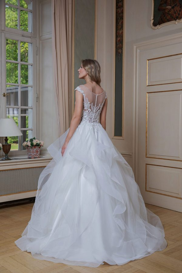 Amera Vera Kollektion 2020 Ivory Brautkleid Almira B2012 9 Bei Avorio Vestito BrideStore And More Brautmode In Berlin Eiche