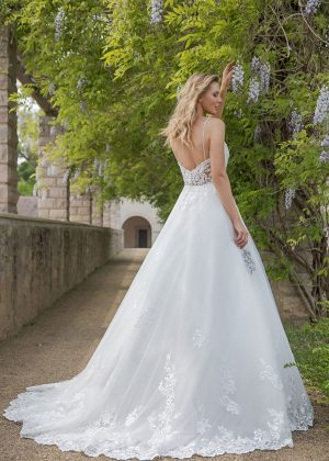 Amera Vera Kollektion 2020 Ivory Brautkleid Almonda B2013 5 Bei Avorio Vestito BrideStore And More Brautmode In Berlin Eiche