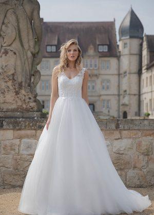 Amera Vera Kollektion 2020 Ivory Brautkleid Anica B2022 2 Bei Avorio Vestito BrideStore And More Brautmode In Berlin Eiche