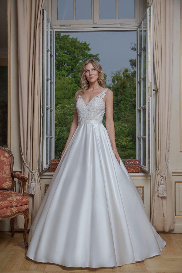 Amera Vera Kollektion 2020 Ivory Brautkleid Anniara B2019 2 Bei Avorio Vestito BrideStore And More Brautmode In Berlin Eiche