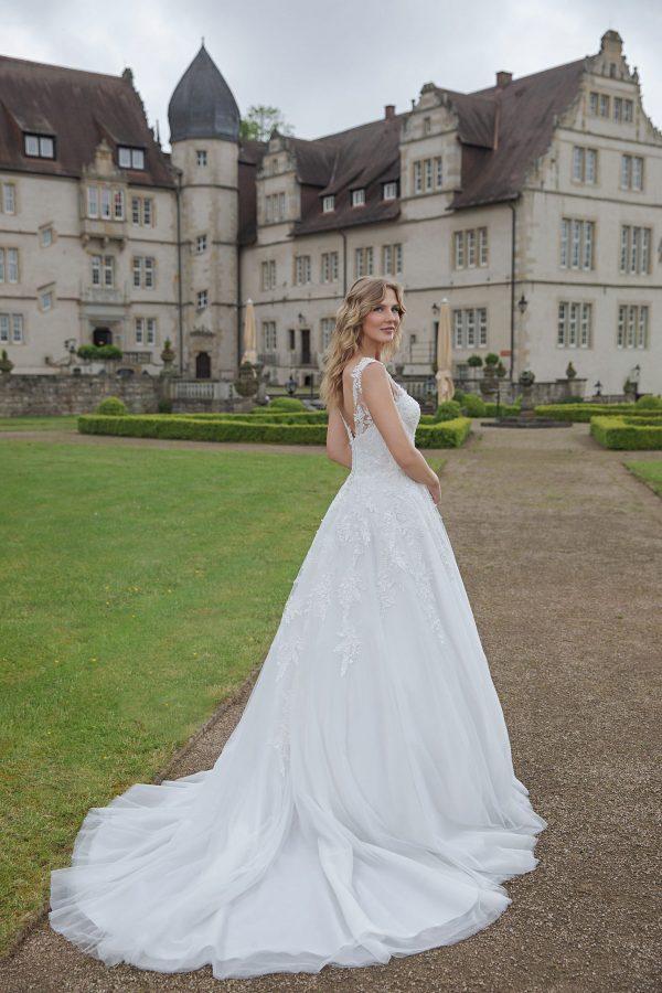 Amera Vera Kollektion 2020 Ivory Brautkleid Aquarina B2029 4 Bei Avorio Vestito BrideStore And More Brautmode In Berlin Eiche