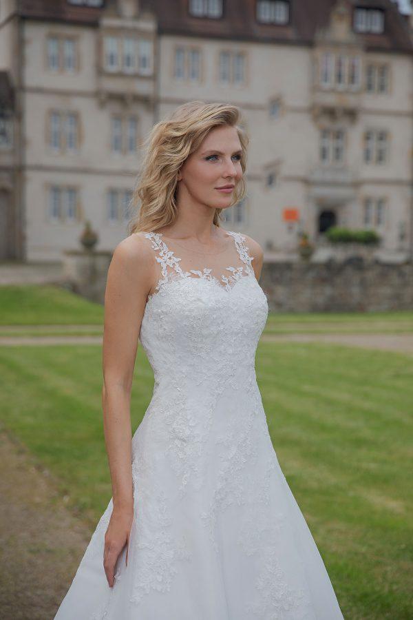 Amera Vera Kollektion 2020 Ivory Brautkleid Asttrid B2036 3 Bei Avorio Vestito BrideStore And More Brautmode In Berlin Eiche