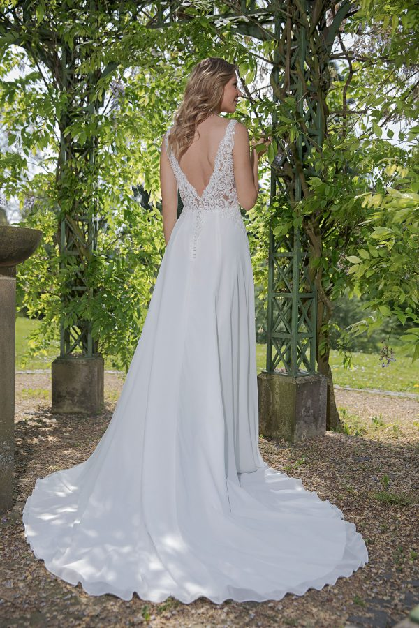 Amera Vera Kollektion 2020 Ivory Brautkleid Avena B2023 2 Bei Avorio Vestito BrideStore And More Brautmode In Berlin Eiche