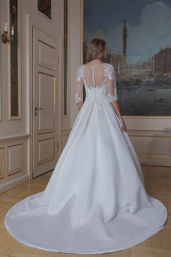 Amera Vera Kollektion 2020 Ivory Brautkleid Azura B2021 4 Bei Avorio Vestito BrideStore And More Brautmode In Berlin Eiche