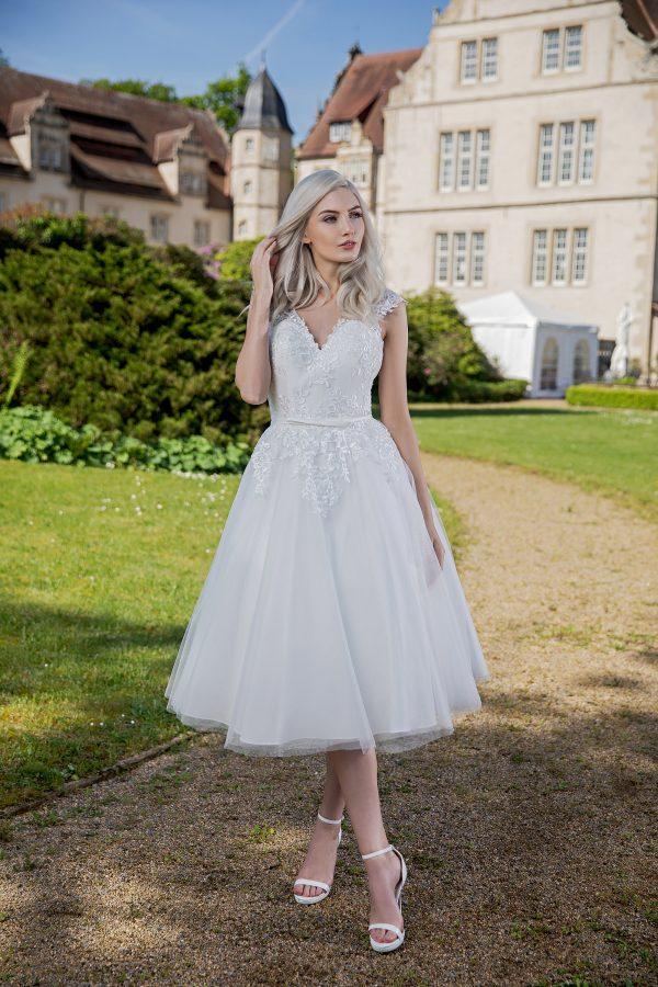 AnnAngelex Kollektion 2020 Ivory Brautkleid Badria B2060 1 Avorio Vestito BrideStore And More Brautmode In Berlin Eiche