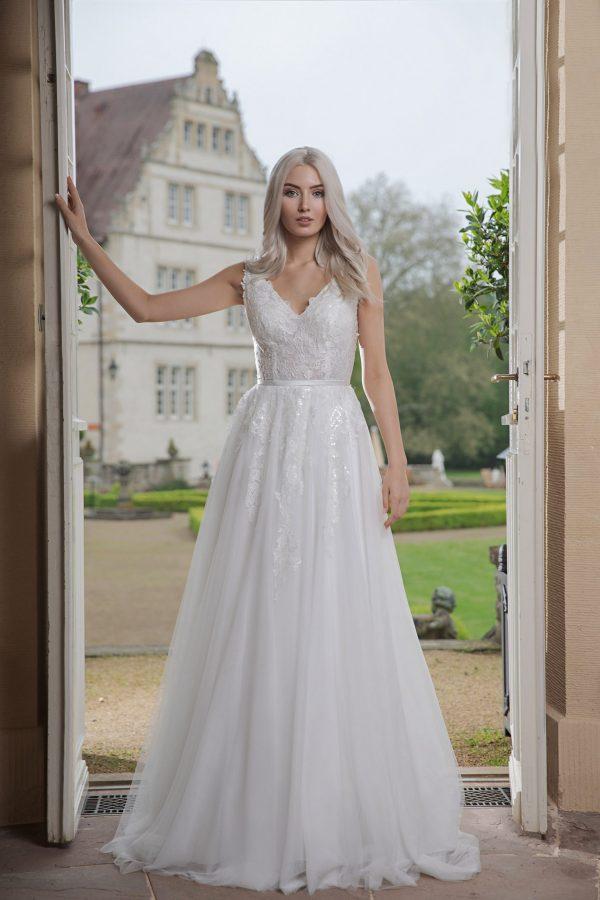 AnnAngelex Kollektion 2020 Ivory Brautkleid Bahira B2051 2 Avorio Vestito BrideStore And More Brautmode In Berlin Eiche