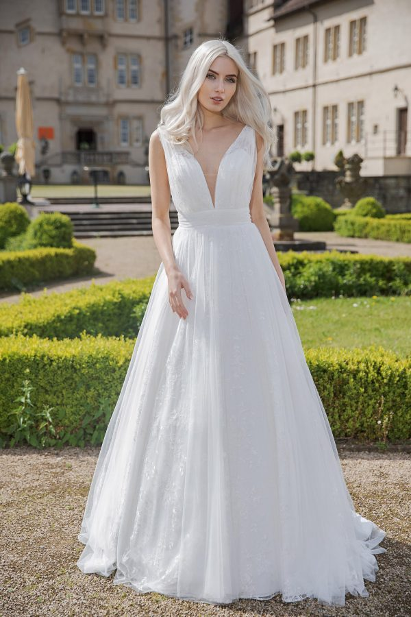 AnnAngelex Kollektion 2020 Ivory Brautkleid Belinda B2071 3 Avorio Vestito BrideStore And More Brautmode In Berlin Eiche