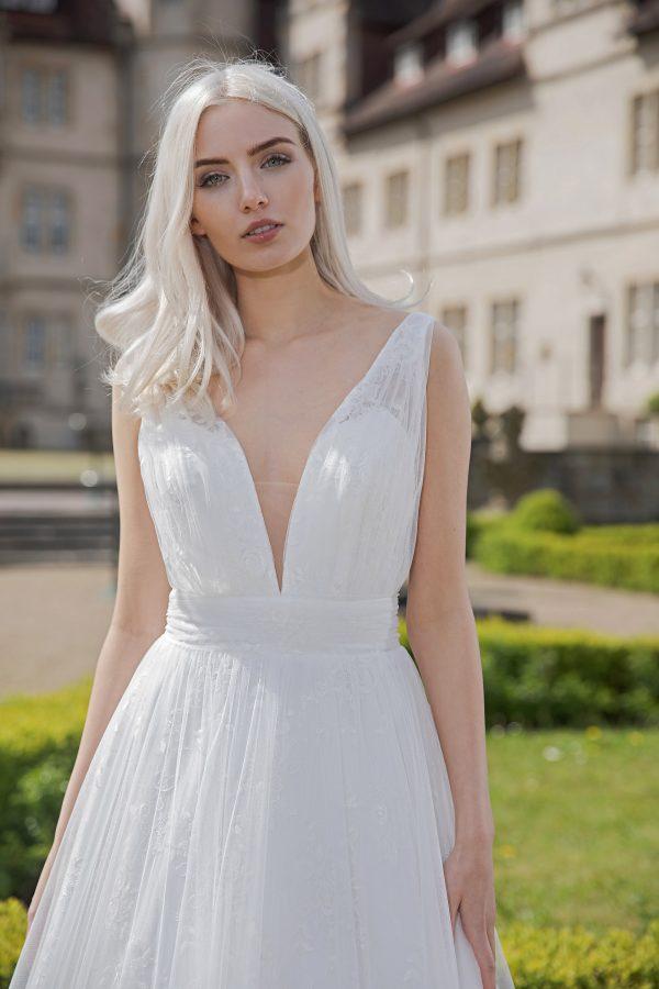 AnnAngelex Kollektion 2020 Ivory Brautkleid Belinda B2071 4 Avorio Vestito BrideStore And More Brautmode In Berlin Eiche