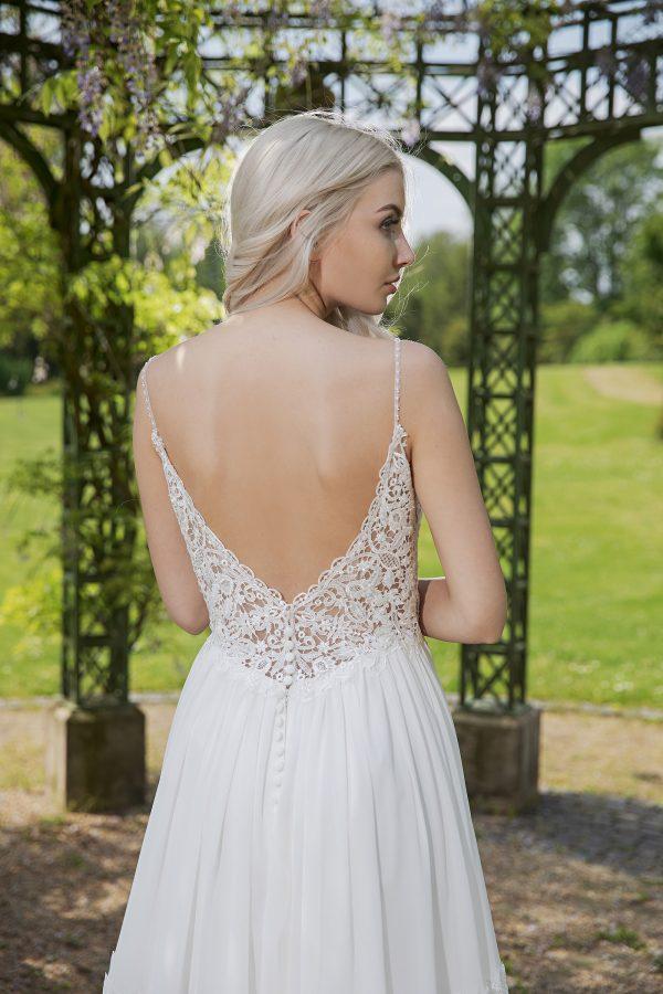 AnnAngelex Kollektion 2020 Ivory Brautkleid Berendina B2054 1 Avorio Vestito BrideStore And More Brautmode In Berlin Eiche