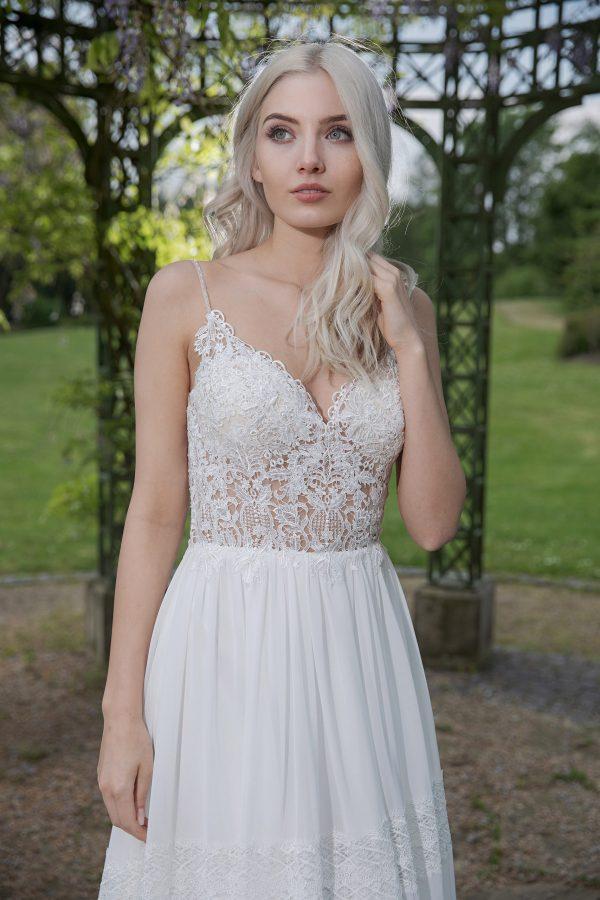 AnnAngelex Kollektion 2020 Ivory Brautkleid Berendina B2054 3 Avorio Vestito BrideStore And More Brautmode In Berlin Eiche