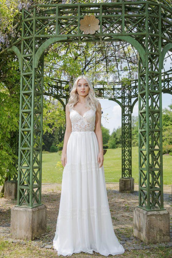 AnnAngelex Kollektion 2020 Ivory Brautkleid Berendina B2054 4 Avorio Vestito BrideStore And More Brautmode In Berlin Eiche