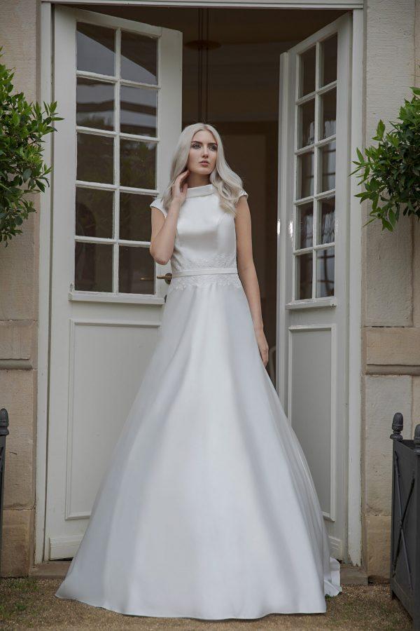 AnnAngelex Kollektion 2020 Ivory Brautkleid Bettina B2065 2 Avorio Vestito BrideStore And More Brautmode In Berlin Eiche
