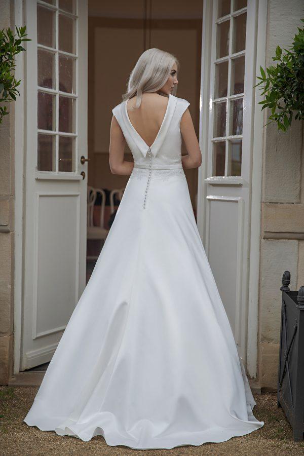 AnnAngelex Kollektion 2020 Ivory Brautkleid Bettina B2065 4 Avorio Vestito BrideStore And More Brautmode In Berlin Eiche