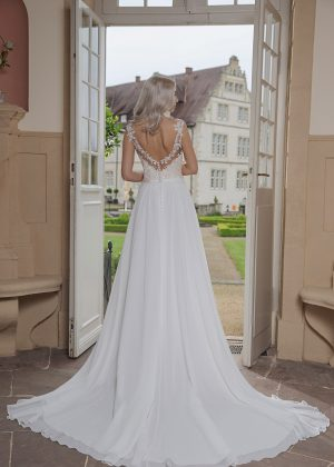 AnnAngelex Kollektion 2020 Ivory Brautkleid Bibiane B2069 4 Avorio Vestito BrideStore And More Brautmode In Berlin Eiche
