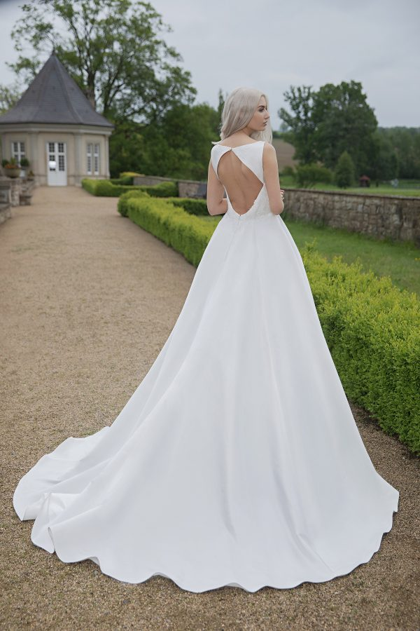 AnnAngelex Kollektion 2020 Ivory Brautkleid Blandina B2064 4 Avorio Vestito BrideStore And More Brautmode In Berlin Eiche