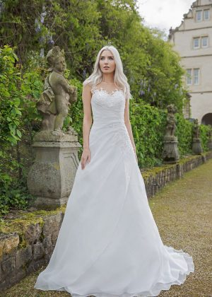 AnnAngelex Kollektion 2020 Ivory Brautkleid Bromia B2081 2 Avorio Vestito BrideStore And More Brautmode In Berlin Eiche