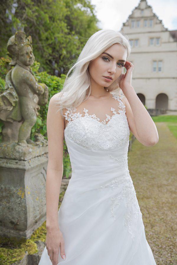 AnnAngelex Kollektion 2020 Ivory Brautkleid Bromia B2081 3 Avorio Vestito BrideStore And More Brautmode In Berlin Eiche