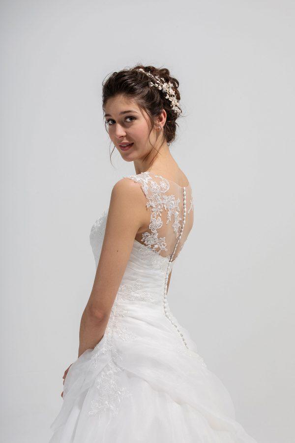 Brautmode In Berlin Eglantine 2020 Ivory Brautkleid EG C20 SAFARI 2613 Bei Avorio Vestito BrideStore And More Hochzeitsmode In Berlin Eiche