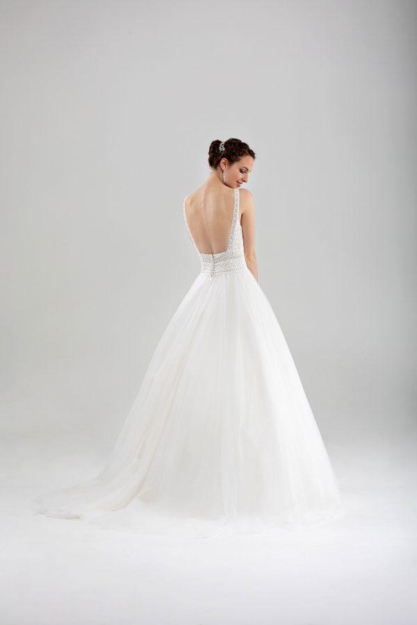 Brautmode In Berlin Eglantine 2020 Ivory Brautkleid EG C20 SAHARA 7607 Bei Avorio Vestito BrideStore And More Hochzeitsmode In Berlin Eiche