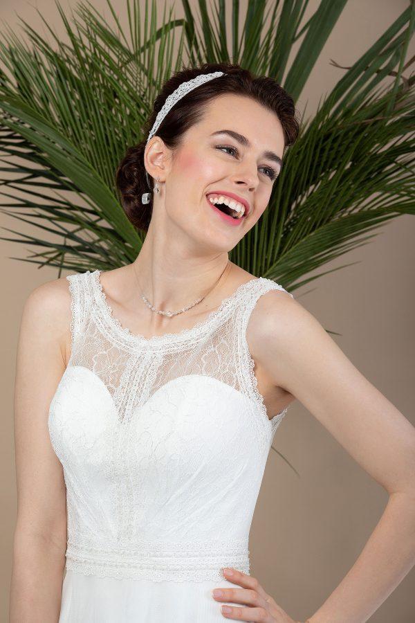 Brautmode In Berlin Eglantine 2020 Ivory Brautkleid EG C20 SAINTE 5224 Bei Avorio Vestito BrideStore And More Hochzeitsmode In Berlin Eiche