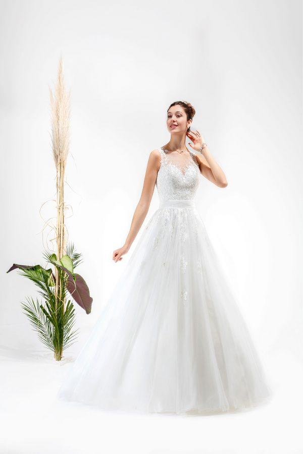 Brautmode In Berlin Eglantine 2020 Ivory Brautkleid EG C20 SARDAIGNE 0809 Bei Avorio Vestito BrideStore And More Hochzeitsmode In Berlin Eiche