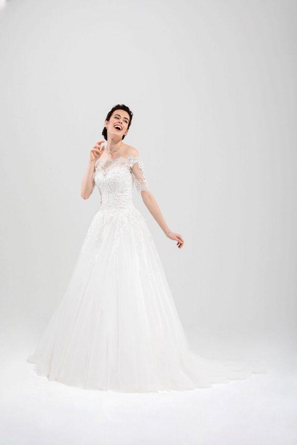 Brautmode In Berlin Eglantine 2020 Ivory Brautkleid EG C20 SINGAPOUR 5354 Bei Avorio Vestito BrideStore And More Hochzeitsmode In Berlin Eiche