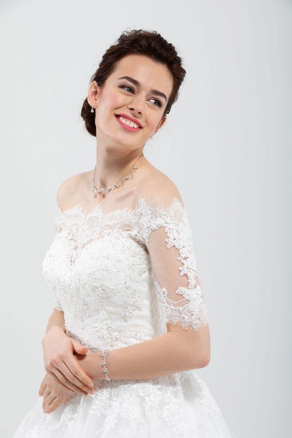 Brautmode In Berlin Eglantine 2020 Ivory Brautkleid EG C20 SINGAPOUR 5404 Bei Avorio Vestito BrideStore And More Hochzeitsmode In Berlin Eiche