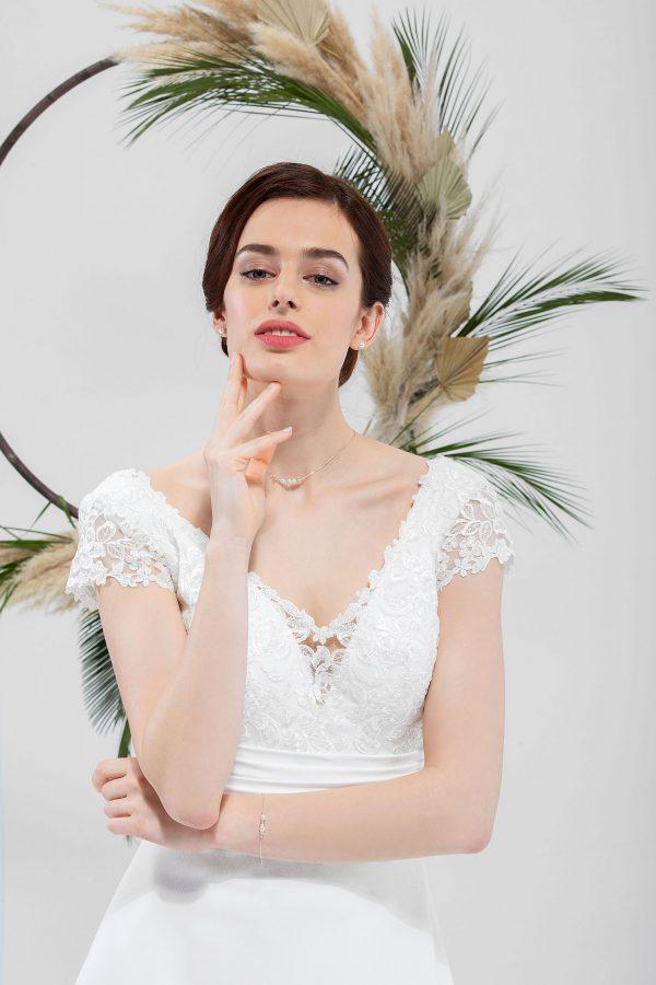 Brautmode In Berlin Eglantine 2020 Ivory Brautkleid EG C20 SOLINE 5940 1 Bei Avorio Vestito BrideStore And More Hochzeitsmode In Berlin Eiche