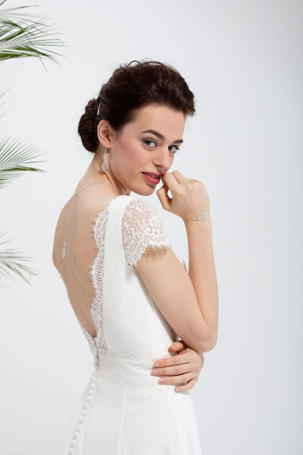 Brautmode In Berlin Eglantine 2020 Ivory Brautkleid EG C20 SORIANE 5151 Bei Avorio Vestito BrideStore And More Hochzeitsmode In Berlin Eiche