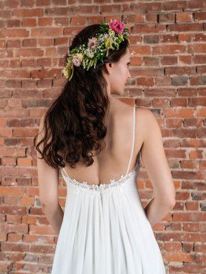 Hochzeitsmode In Berlin Fuchs 2020 Ivory Brautkleid D 03320 2 Bei Avorio Vestito BrideStore And More Hochzeitsmode In Berlin Eiche